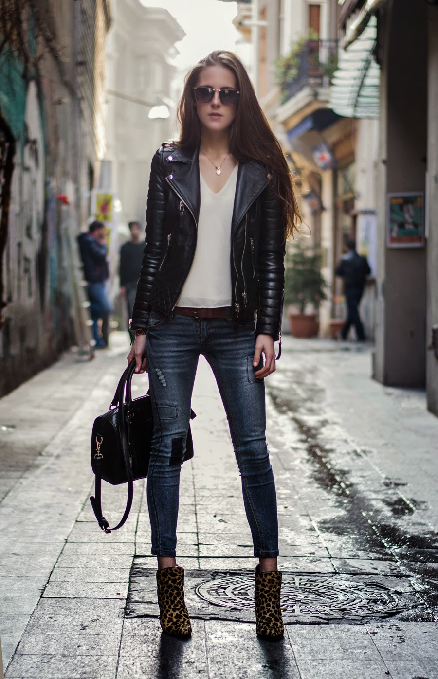 2ad57670e4b4 All about 52 Ways To Wear A Leather Jackets 2019 Become Chic ...