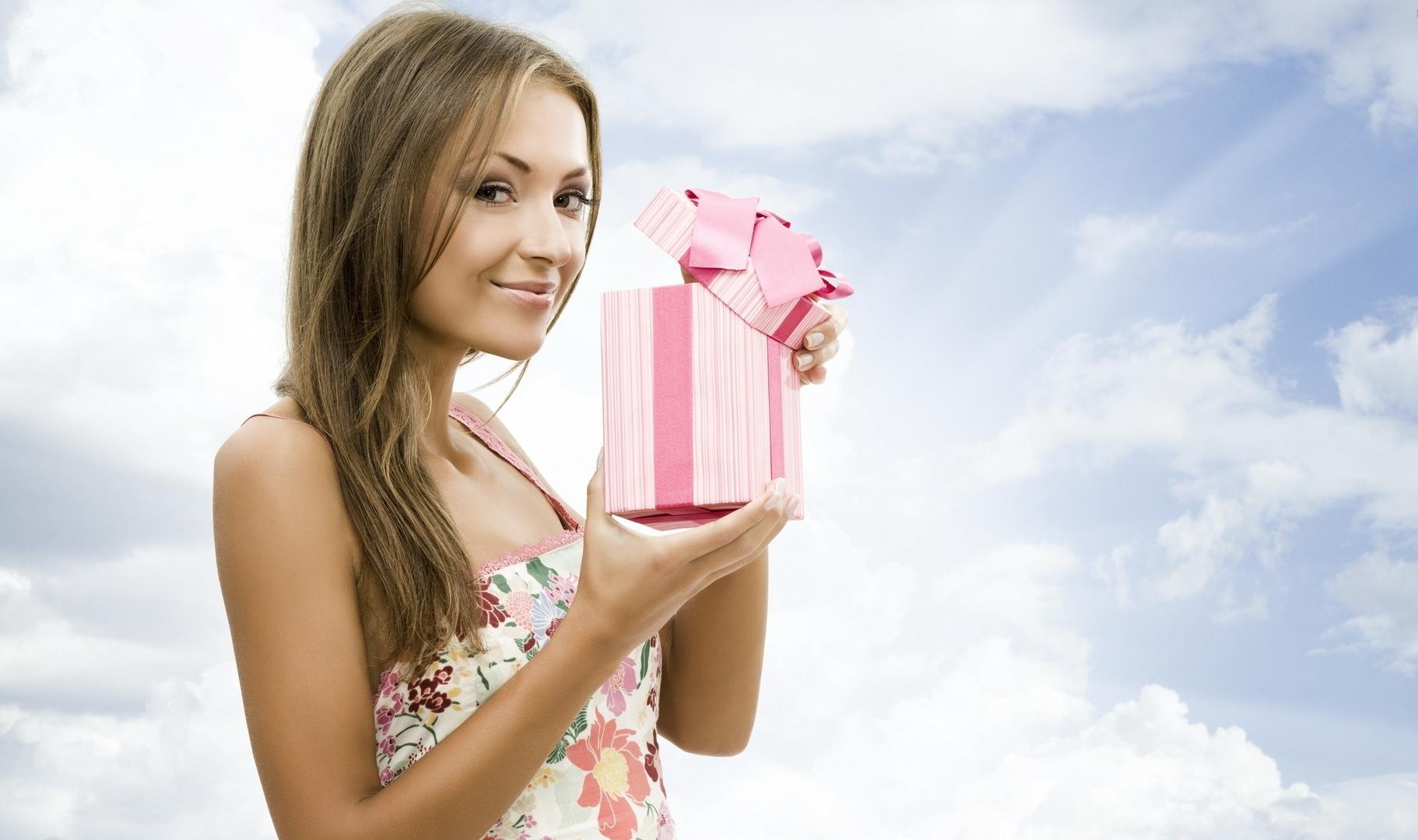 Картинки день рождение подарок, Стоковые Фотографии. Depositphotos 1