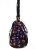 Женская сумка 35419 черная с цветным принтом 4